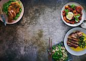 Paniertes Schnitzel auf Broccolipüree, Gedünstete Tomaten mit Mozzarella, Sirloin-Steak mit Curry-Kohl & Gebratener Reis mit Zuckerschoten