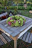Herbstlicher Kranz als Tischdeko