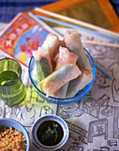 Rice paper rolls with shrimp filling