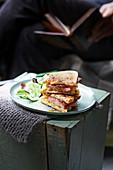 Toasties mit Brie, Schinken und Feigenmarmelade
