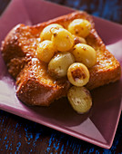 Pain perdu with grapes