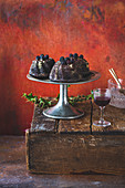 Blueberry wreath cake on a cake stand
