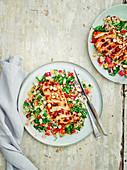 Couscoussalat mit Harissa-Hähnchen und Zitronendressing