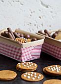 Ingwerplätzchen und Schokoladenkonfekt