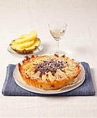 Ananaskuchen mit Nussnougatcreme und Haselnüssen