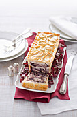 Radicchio and cream cheese pie with nuts