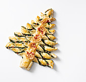 Puff pastry Christmas tree with spinach and bacon