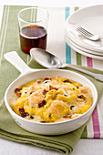 Polenta gratin with bacon and cheese