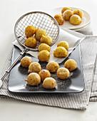 Baked semolina balls