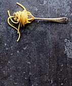 Spaghetti auf Gabel