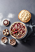 Cake and tartlets with vegan shortcrust pastry