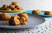 Shortbread Cookies, angebissen