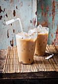 Vietnamesische Eiskaffee-Martinis