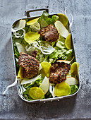 Grilled beef fillet with mustard and a fennel salad
