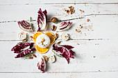 Radicchio, Ziegenkäse, Walnüsse und Orangen