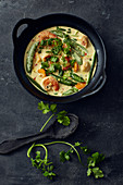 Quick prawn curry with vegetables