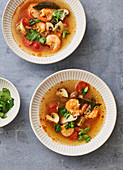 Tom Yam Gung (spicy-sour soup with prawns)