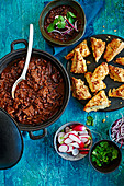 Low and low rich beef chilli with jalapeno chedder scones