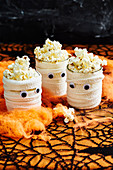 Healthy Halloween: Mummy popcorn cups