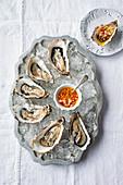 Austern mit Apfel-Meerrettich-Dressing