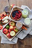 Molke mit Getreide, Honig und Früchten