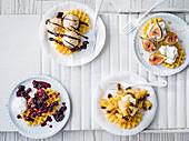 Schnelle Waffel-Variationen mit Früchten und Eiscreme