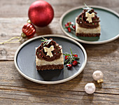Raw vegan hazelnut chocolate tarts for Christmas
