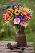 Bunter Sommerblumen-Strauß