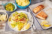 Fried salmon with leeks and potato puree