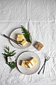Vanilla marshmallows in white chocolate