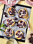 Cherry pastry with vanilla cream