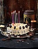 Käsekuchen mit Oreos und weisser Schokolade zum Geburtstag