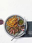 Feder-Steaks mit Chimichurri und Süsskartoffelpommes