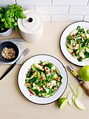 Som-Tam-Apfelsalat mit grünen Bohnen und Erdnüssen