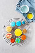 Sonnensystem-Kekse auf Abkühlgitter