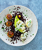 Grain fritters with cauliflower and venere rice