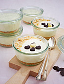 Cheesecakes in jars