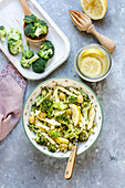 Pasta mit Broccoli, Oliven und eingelegten Zitronen