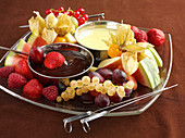 Chocolate fondue with fresh fruit (topic : fruits for tea time)