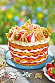Sommerliche Erdbeer-Schichttorte mt Baisertropfen