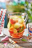 Summer Punch mit Gurke, Melone und Minze