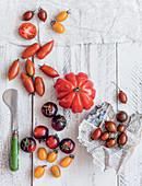 Tomatenstilleben mit verschiedenen Tomatensorten