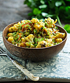 Indian cauliflower curry with peas
