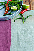 Chilis und Peperonis
