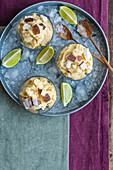 Selbstgemachtes veganes Softeis aus gegrillter Ananas und Kokosmilch