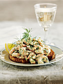 Toasted bread with dill prawns