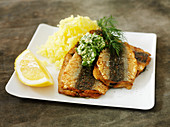 Fried herring with mashed potatoes
