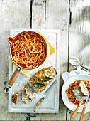 Hackbraten mit Spaghetti und Tomatensauce