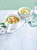 Gemüsesuppe mit Vollkornreis