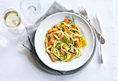 Linguine with salmon and dill sauce